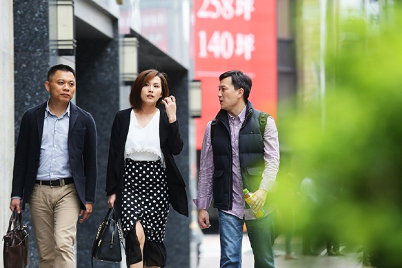 1978至1987年出生、年紀介於30至39歲的這一群人,是面臨台灣經濟走低、薪資倒退、房價飆高等巨大變化衝擊的一代。(圖/遠見雜誌提供)