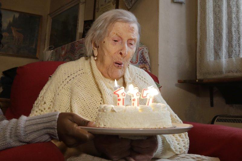 義大利老嫗莫拉諾慶祝117歲大壽,成為世上最長壽人瑞(美聯社)