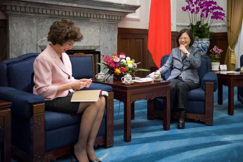 蔡英文總統10月13日接見美國前勞工部長趙小蘭(總統府)