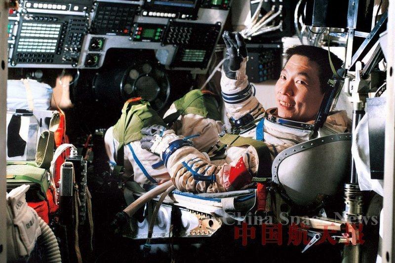 中國第一位太空人楊利偉(取自網路)
