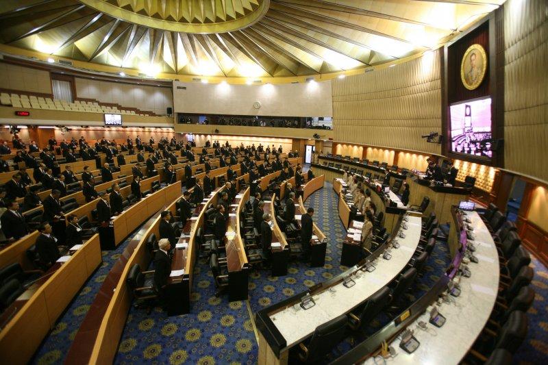 泰國國家立法議會敬邀王儲瓦吉拉隆功登基為新王(美聯社)