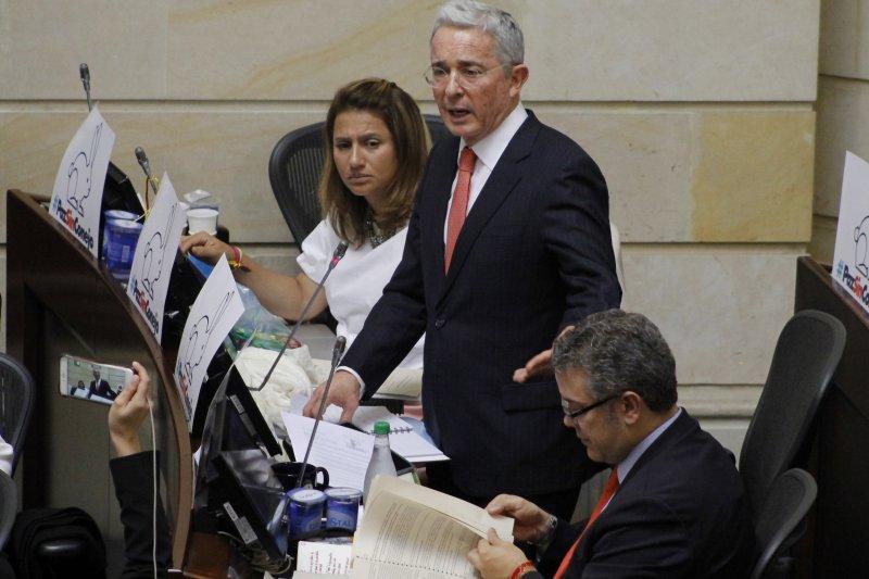 哥倫比亞前總統烏力偉反對與FARC簽訂和平協議(美聯社)