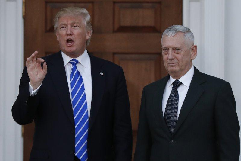美國總統當選人川普與陸戰隊退役四星上將馬提斯(James Mattis)(AP)