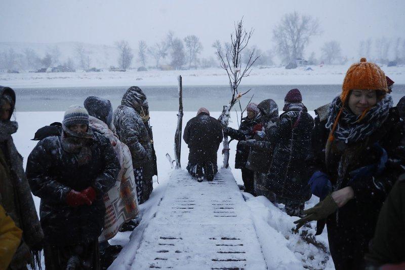 美國原住民在北達科塔州紮營抗議「Dakota Access 」輸油管工程(AP)