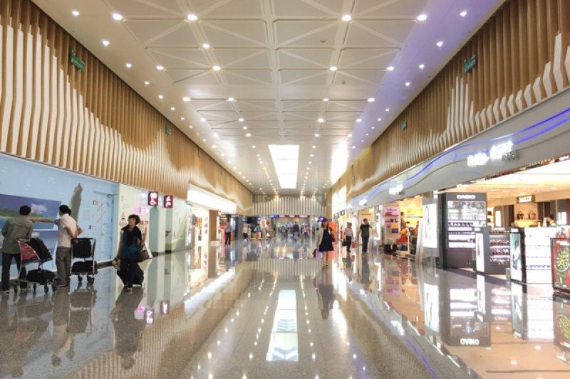 多樣化的休閒設施讓桃園機場更像觀光不夜城。(圖/風傳媒)