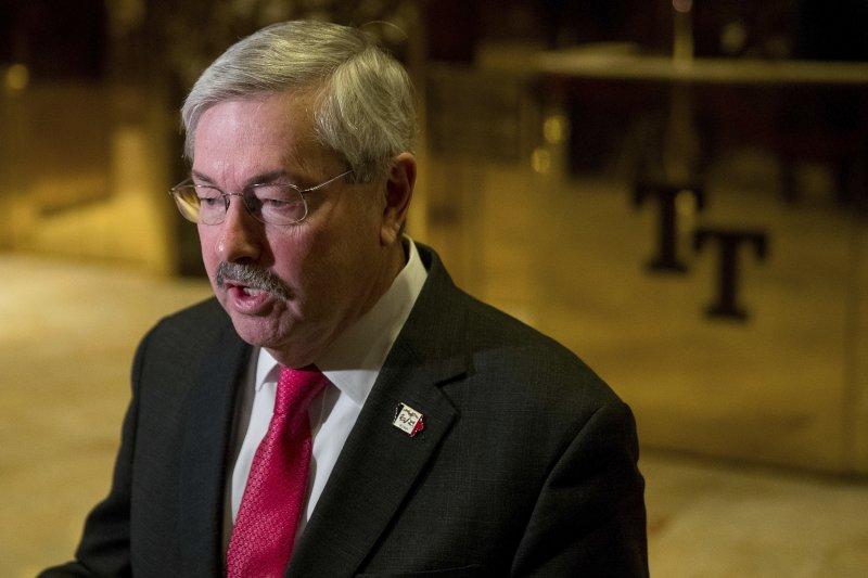 內定出任川普新政府駐中國大使的愛荷華州長布蘭斯塔德(Terry Branstad)(AP)