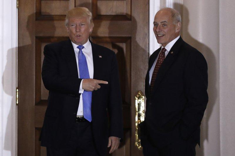美軍陸戰隊退役四星上將凱利(John Kelly,右)被川普提名出任國土安全部部長(AP)
