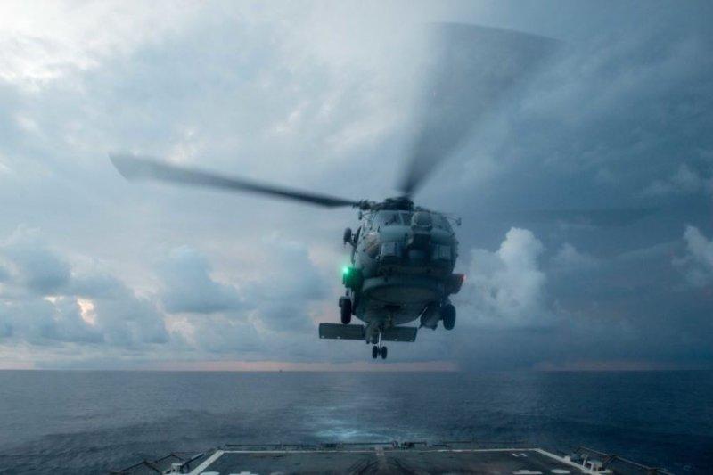 美國海軍2016年11月17日在南海活動。(美國海軍照片)