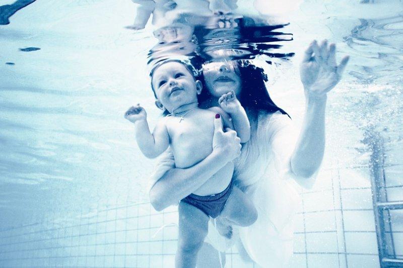 媽媽生了孩子,就一定要完全負起哺乳的責任嗎?(圖/xusenru@pixabay)