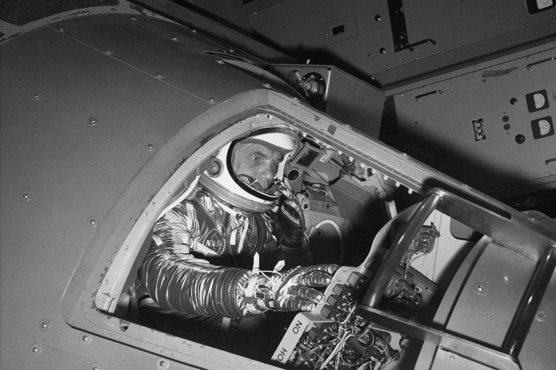 1961年1月,參與水星計畫的葛倫(AP)
