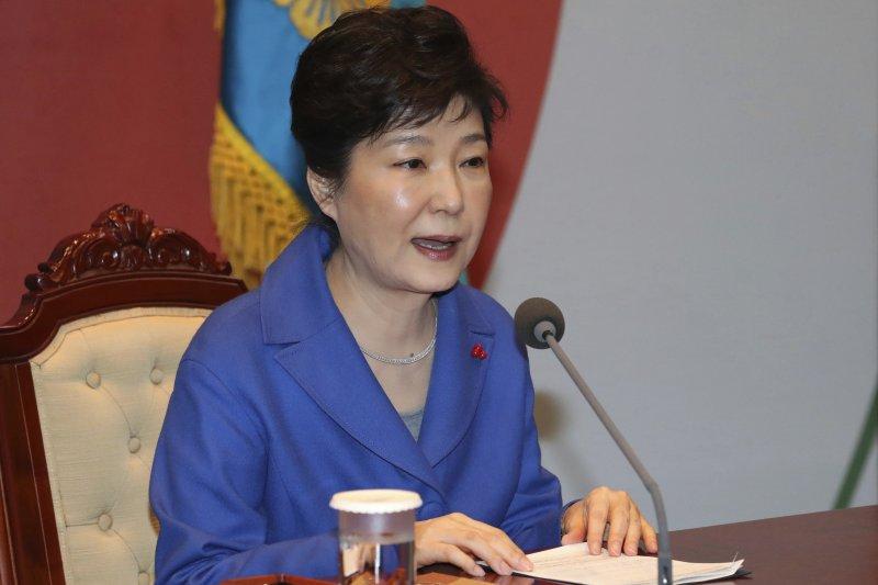 南韓總統朴槿惠9日遭國會彈劾之後,召開最後一次國務會議(AP)