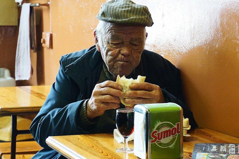 老人家吃得清淡,就一定健康嗎?(圖/amspdv@pixabay)