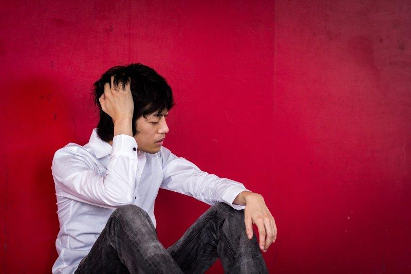 夜間頻尿不只容易精神不濟,更可能有嚴重的健康問題。(圖/ELFA@pakutaso)