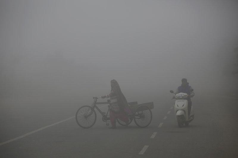 印度首都新德里空氣污染霾害極為嚴重(AP)