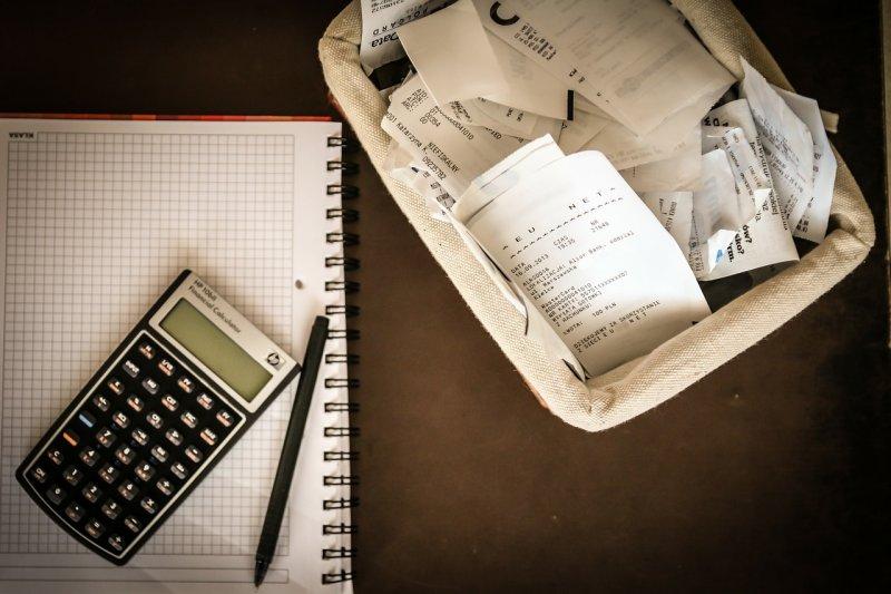 規劃資產的時候沒有把稅金納入考量,很可能會成為家庭財務的不定時炸彈。(圖/jarmoluk@pixabay)