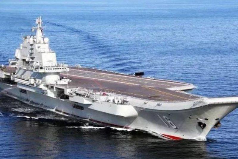 中國遼寧艦航空母艦編隊在渤海空域實兵實彈演習。(BBC中文網)