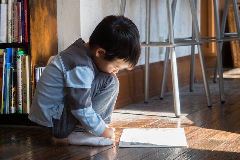 閱讀十分重要,但重點在知識的攝取不是讀書的量。(圖/Eugene Kim@flickr)