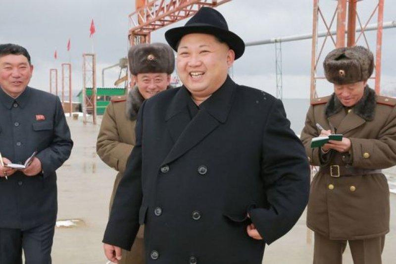 12月15日,金正恩在軍隊視察。(BBC中文網)