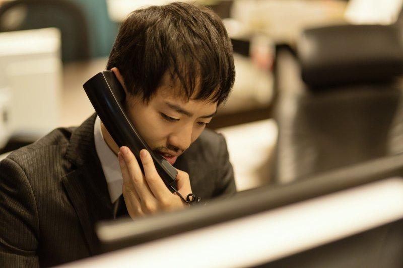 22k、隨時會叫你走人的派遣工、壓榨無極限的實習生…台灣就業環境讓人搖頭。(圖/ひろゆき@pakutaso)