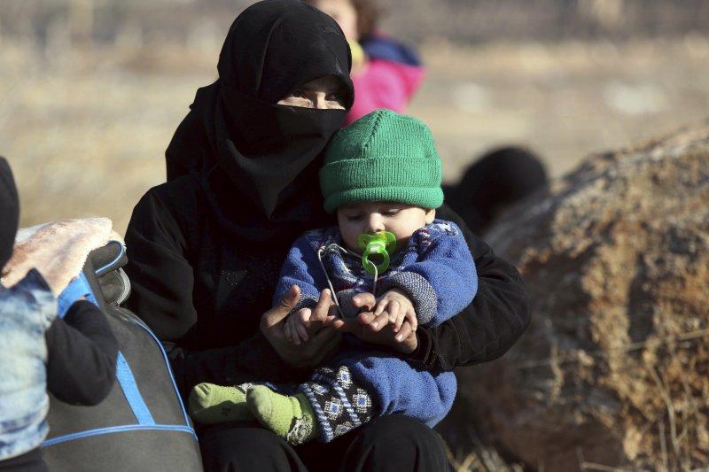 從敘利亞大城阿勒坡(Aleppo)撤出的平民(AP)