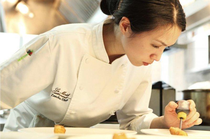 亞洲最佳女廚師陳嵐舒也分享了自己不可或缺的食材。(圖/陳嵐舒@facebook)