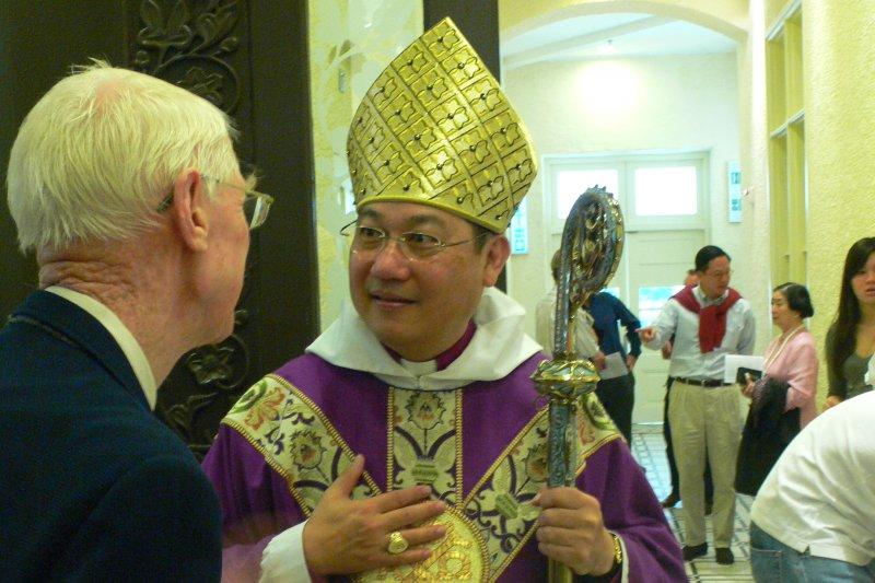 香港聖公會大主教鄺保羅(Father vice@Wikipedia / CC BY 3.0)