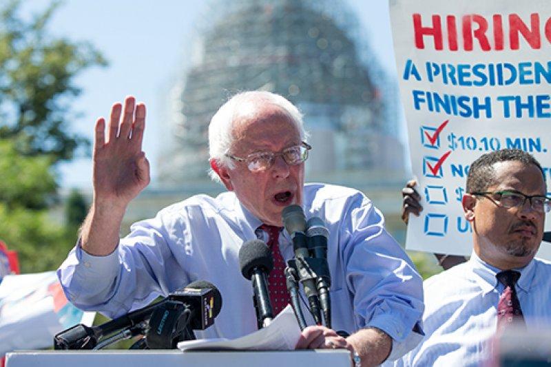 明尼蘇達州聯邦眾議員埃里森(Keith Ellison)曾替桑德斯(Bernie Sanders)在黨內初選時站台,現在獲得桑德斯的相挺,參選DNC主席。(AP)