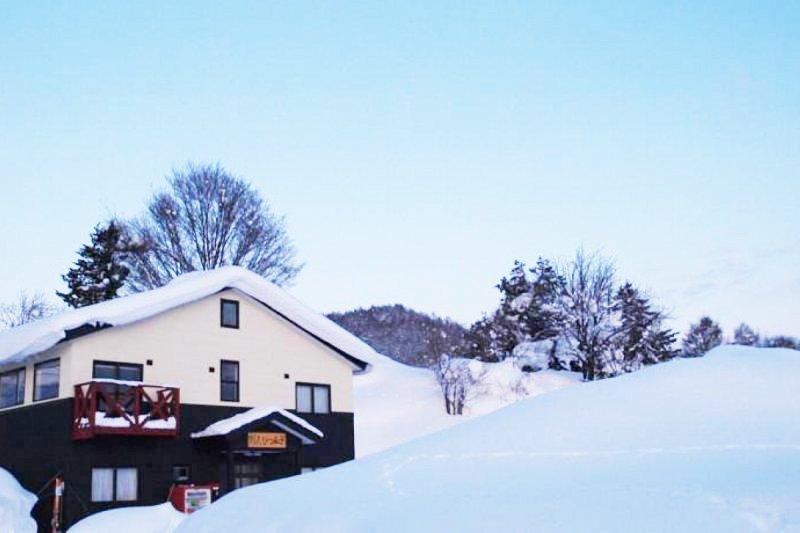 這麼美雪中飯店,怎麼可以錯過?(圖/ZELLEI Japan提供)
