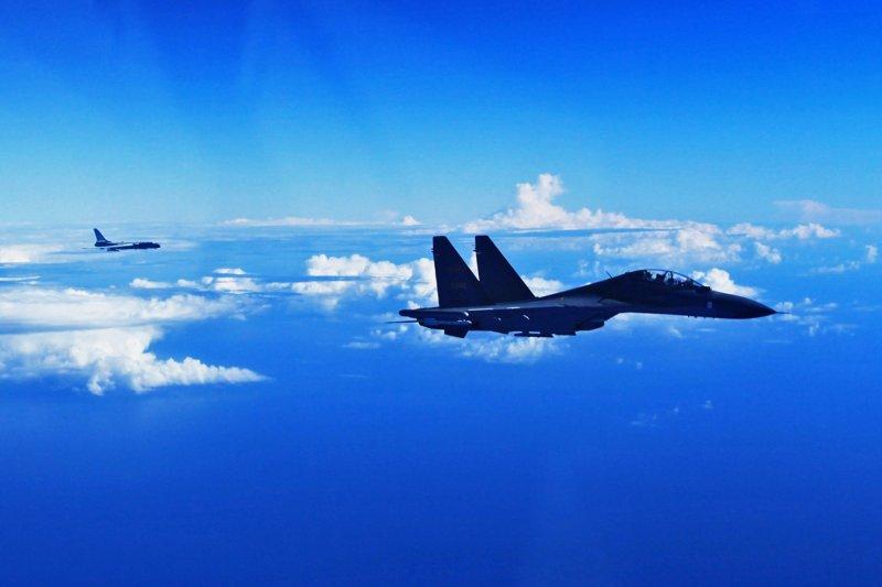 中國人民解放軍空軍多型戰機參加遠海訓練(新華社)