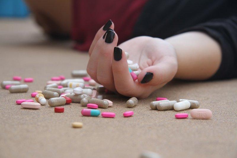 常吃止痛藥或來路不明藥物,可能害你終身都得洗腎啊!(圖/Pixabay)
