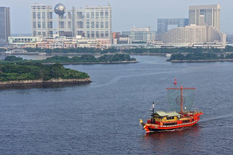 台場位於東京灣內,是個填海造陸的人造島。當地除了多間商場及餐廳外,也有溫泉及海濱公園供你選擇,適合各個年齡層的遊客前往。(圖/Manish Prabhune@flickr)