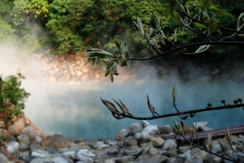 台北近郊有許多交通便利又平價的溫泉。(圖/Klook提供)