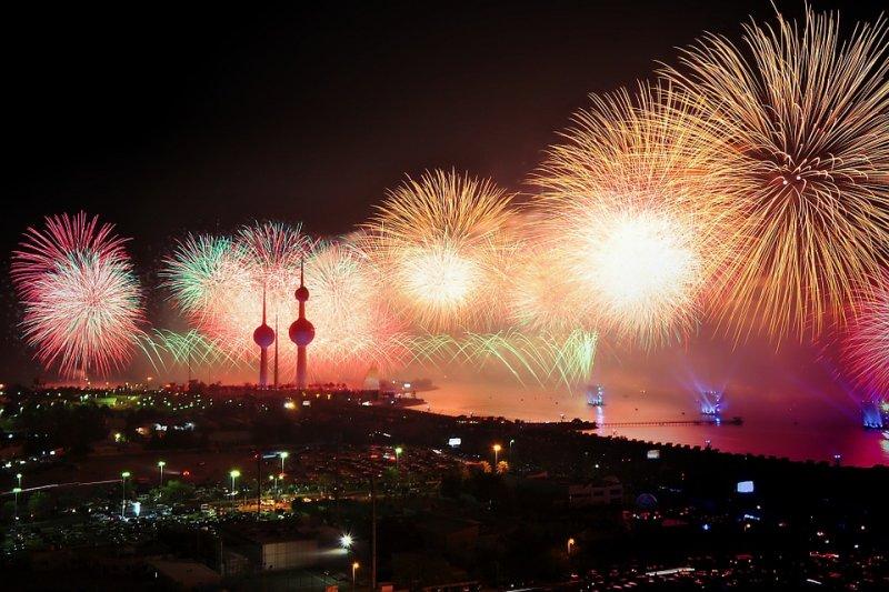 煙火秀已經成為歡慶重大節日的全球共通必備橋段。(圖/luisqb@pixabay)