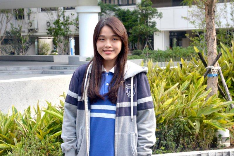 明道中學資料處理科學生尤靜娟用希望入學方案,錄取台大圖書資訊學系。(圖/明道中學粉絲團@facebook)