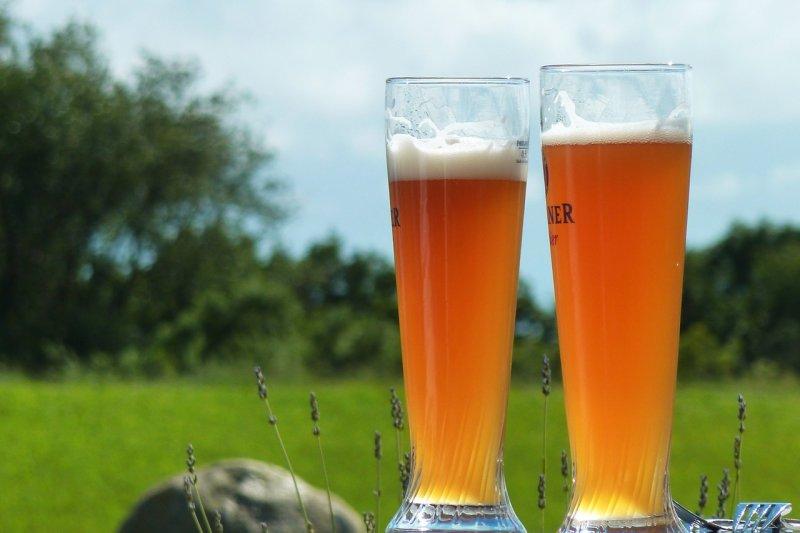 吃冰傷身?外科醫師:據醫學史料記載,英國有陣子流行喝「溫啤酒」強身,但事實…