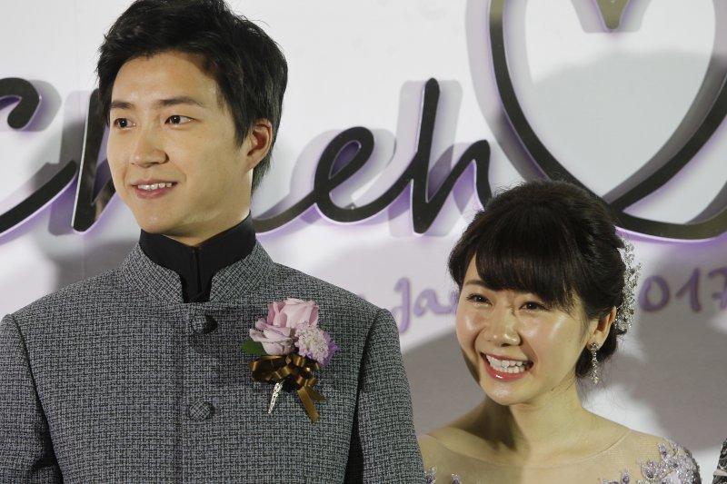 台灣、日本桌球好手江宏傑、福原愛備受矚目的婚禮今天在台北舉行(AP)