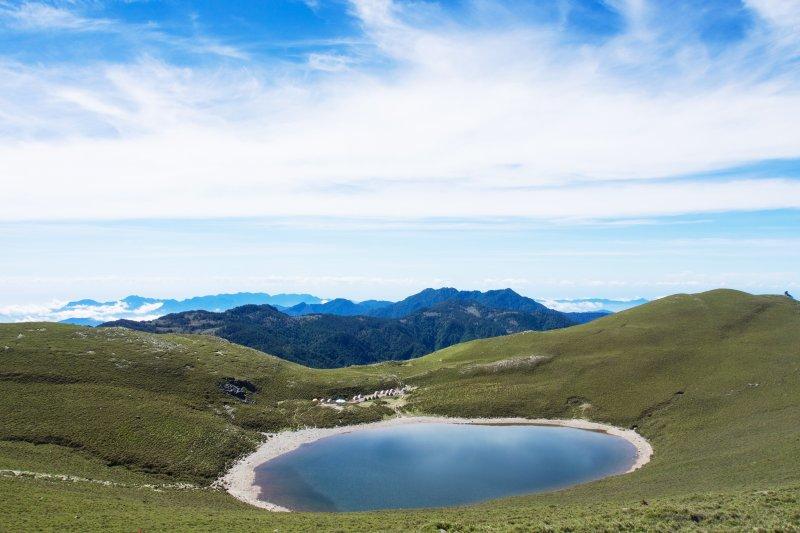 被譽為「台灣最美風景」的台東嘉明湖。(圖/Elsie Lin@flickr)