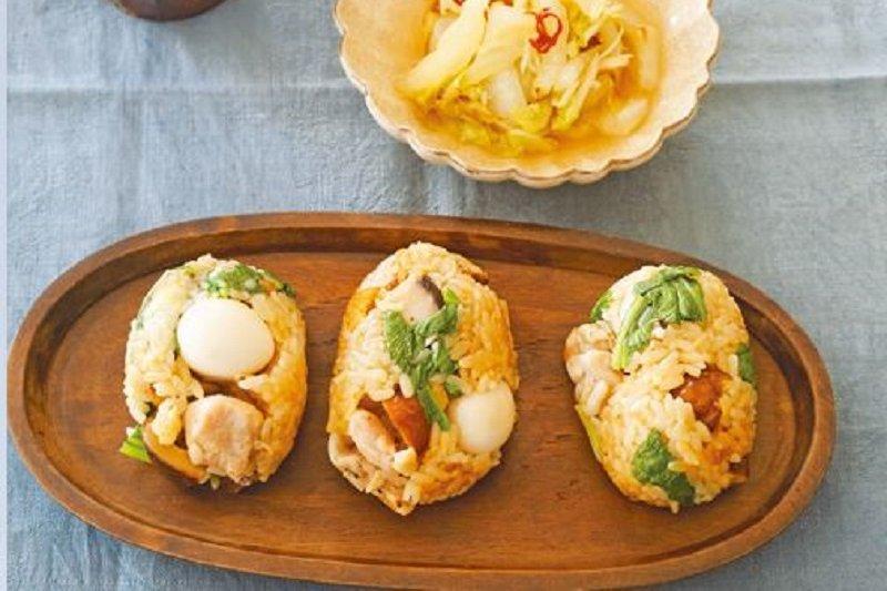 中式雞肉炊飯加辣炒白菜(圖/山岳文化提供)