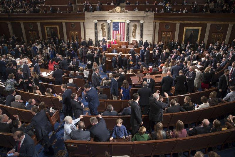 美國第115屆國會開議,掌控眾議院的共和黨團提案被川普嫌棄(AP)