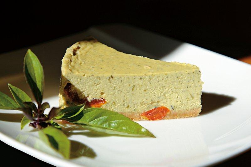 九層塔番茄起司蛋糕。(圖/天下雜誌提供)