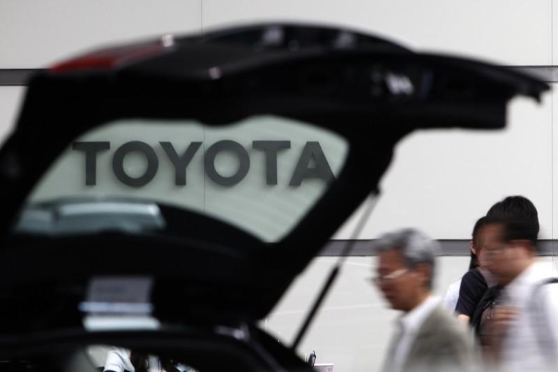 日本企業前瞻性投資下個世代的產業,例如豐田汽車就與軟銀合作開發人工智慧。(美聯社)