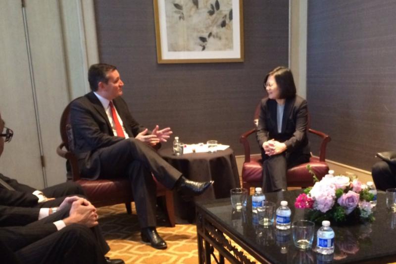 美國德州聯邦參議員克魯茲(左)與總統蔡英文會面(翻攝Twitter)