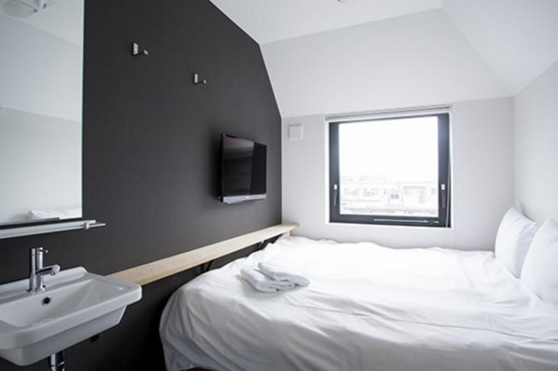 廣受好評的京都平價住宿,要訂房得搶快。(圖/piecehostel官網)