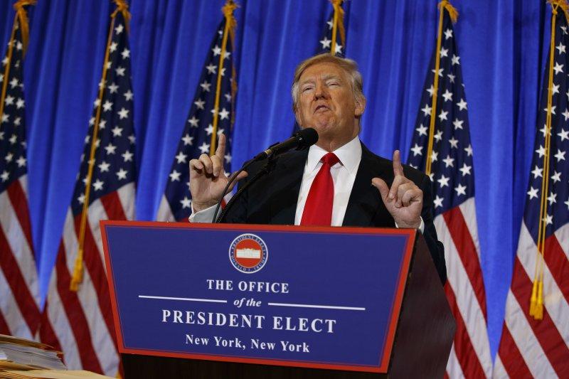 川普於當選後首次召開正式記者會。(美聯社)