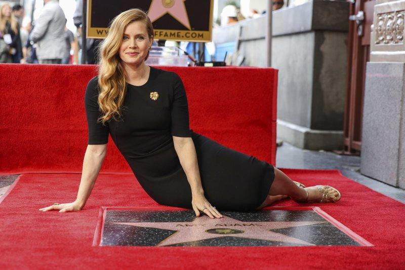 好萊塢一線女星艾美亞當斯(Amy Adams)在好萊塢星光大道添星留名(AP)