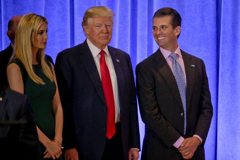 川普次子小唐納德(Donald Trump Jr.,右)(AP)