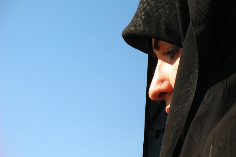 在伊朗,比警察更危險的是鄰居,所以很多人家白天都拉著窗簾。(圖/ebrahim@pixabay)