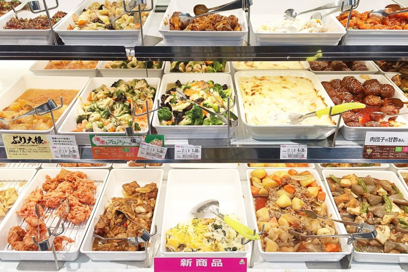 到日本旅遊時,不妨體驗一下最道地的自助餐店。(圖/Matcha)