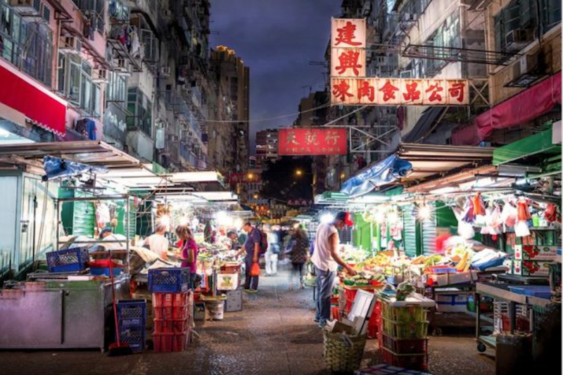 老香港仍然存在,但每一天都不同(油麻地街市)。(BBC中文網)