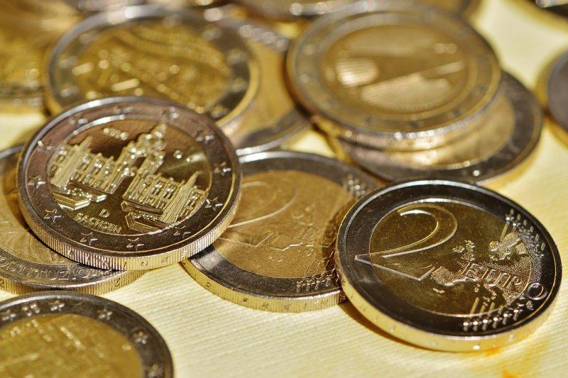 近年來小額理財盛行,年終獎金剛好成為投資理財的現成資金。(圖/Alexas_Fotos@pixabay)